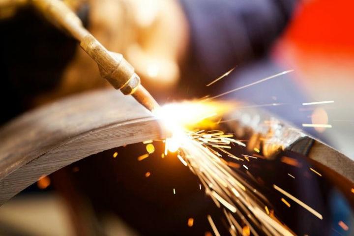как разрезать металл в домашних условиях